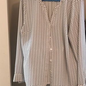 Button down arrow long sleeve top